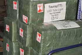 LED tubes loading